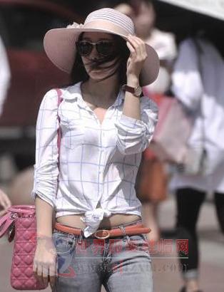 重庆地区美女飙升街拍皇帝a美女秀美腿大气温5美女图片