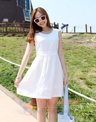 韩版连衣裙时尚来袭 静若处子气质佳