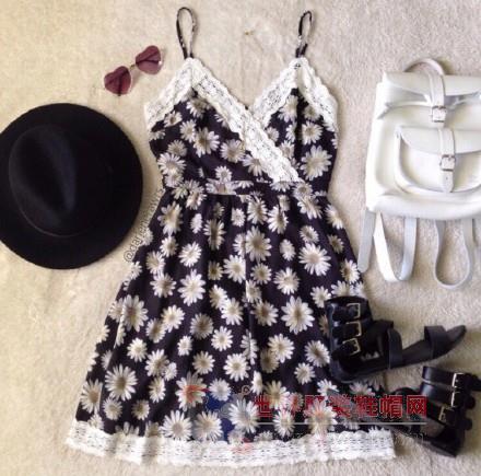 清新/雏菊吊带裙,整体设计别有异域风情~细细的吊带小清新又性感,...