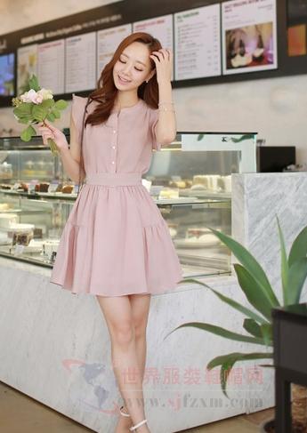 连衣裙系腰带 让造型更加清纯-世界服装鞋帽网-行业