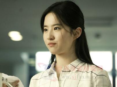 《原来你还在这里》 刘亦菲造型很清纯-世界服