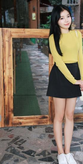 大方 图片素材/早秋,天气凉爽,穿着打扮简单大方就好。